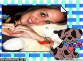 Cãozinho Com Rosa na Boca