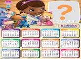 Calendário 2021 Doutora Brinquedos Foto Montagem